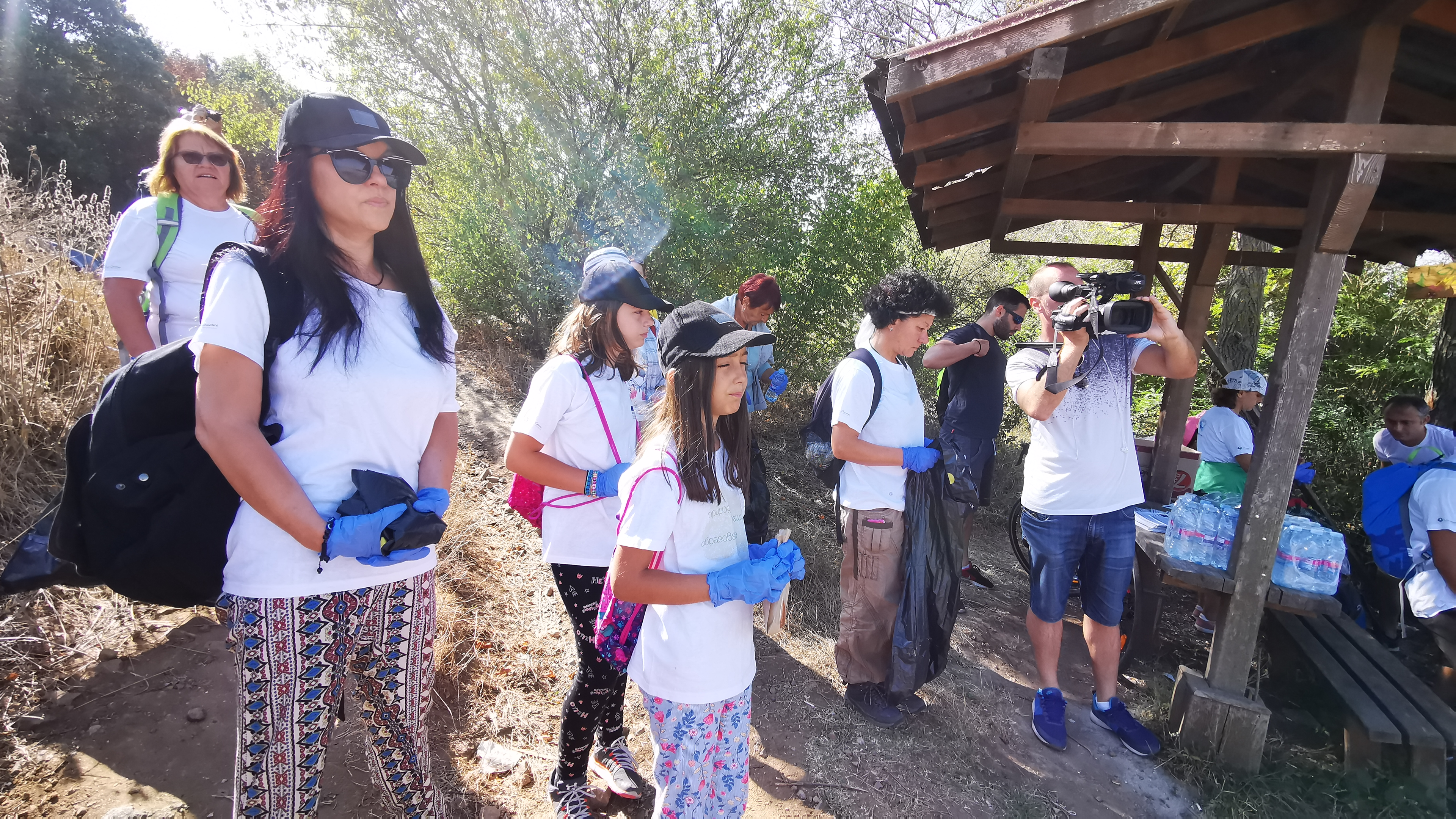 """More than 50 volunteers participated in 2 eco-actions to clean up the areas around protected area """"Mouth of the Izvorska River"""" and protected area """"Chengene Skele"""""""