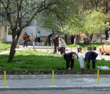 BURGAS IS INVITING LOCALS TO HELP CLEAN UP OUR CITY! -MARLENA.info